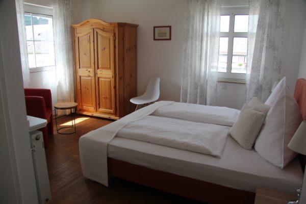 Einzel / Doppel Zimmer Hotel Galerie Riesling Trittenheim